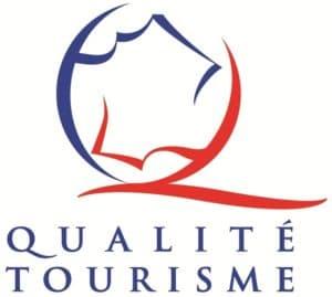 L'attribut alt de cette image est vide, son nom de fichier est label-qualite-tourisme-logo-300x269.jpg.